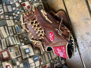 RAWLINGS BASEBALL GLOVE for Sale in Houston, TX