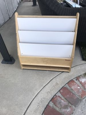 Book case for Sale in Los Angeles, CA