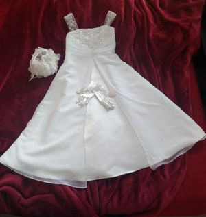 David's Bridal Flower Girl Dress (Size 5) for Sale in Cupertino, CA
