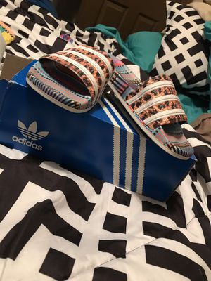 Women / girls adidas flops for Sale in St. Louis, MO