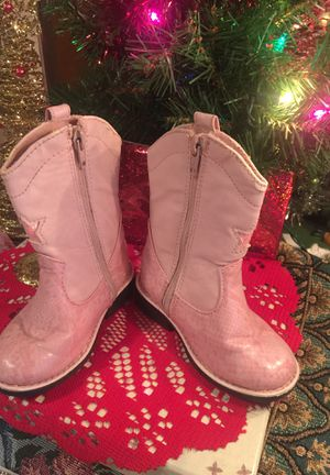 Little girls pink Cowgirl boots guc not winter indoor or warm weather size 6 faux Leather shows sign of use not new for Sale in Northfield, OH