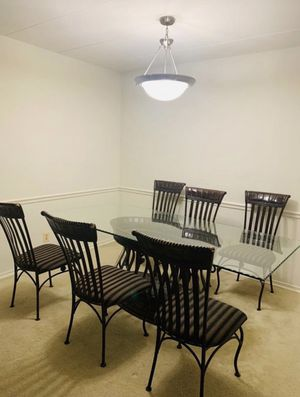 6 chairs , full dinning table for Sale in Reston, VA