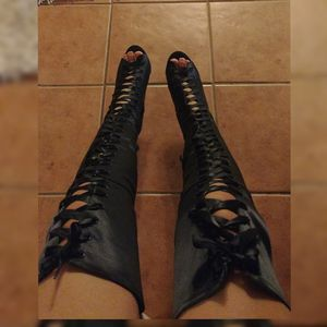 🧩Last pairs 🧩Boots over the knee Lace Up Satin Black and pink color for Sale in Ontario, CA