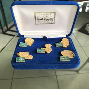 Walt Disney Collectors Society Anniversary Pins 1992 thru 1996 for Sale in Fort Lauderdale, FL