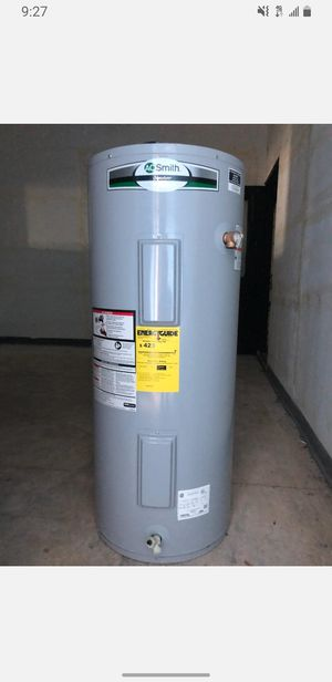 Electrical water heater 220v 40 gallons for Sale in Clearwater, FL