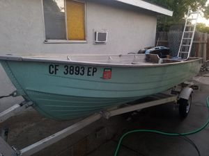 Aluminum fishing boat and trailer for Sale in Sacramento, CA