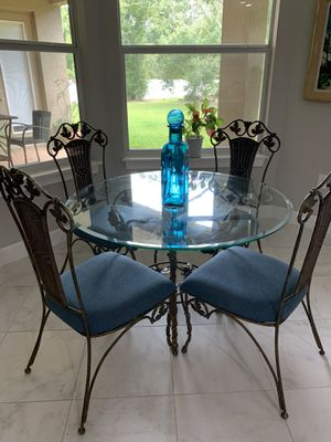 Glass table and chairs for Sale in Lutz, FL