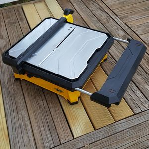 "LIKENEW QEP 7"" Tile Wet Saw with extended table for Sale in Rockville, MD"