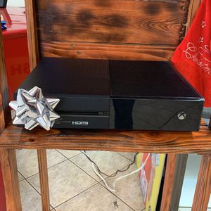 Microsoft Xbox One 500g for Sale in Fort Lauderdale, FL