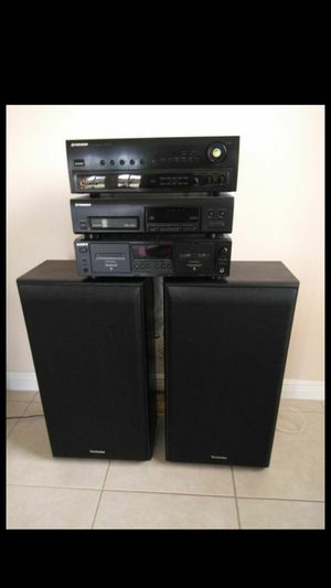 5 piece Stereo system for Sale in Loxahatchee, FL