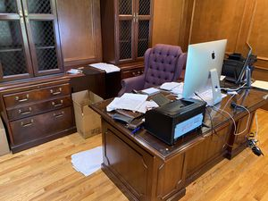 Office furniture and chairs for Sale in Gibsonia, PA