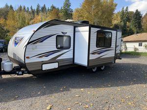 2018 forest river Salem 25Ft travel trailer with super slide out for Sale in Sumner, WA