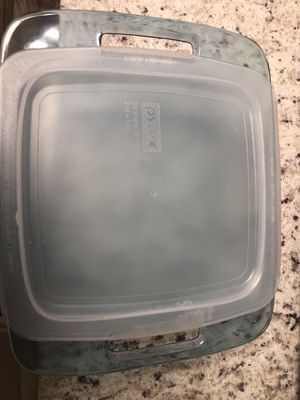 Glass baking Pyrex 2qt dish for Sale in Dunwoody, GA