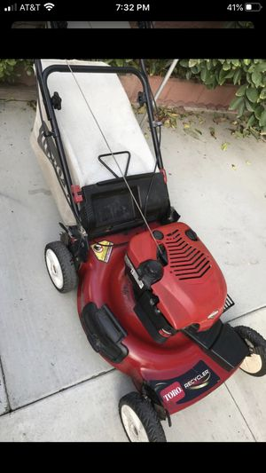 Toro lawn mower with trans mission runs good for Sale in Los Alamitos, CA