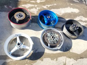 MOTORCYCLE FRONT AND REAR RIMS FOR SALE... I DON'T KNOW EXACTLY WHAT THESE FIT for Sale in Pompano Beach, FL