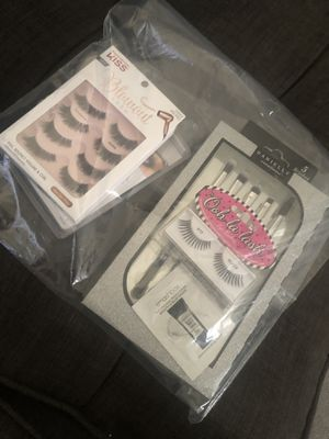 2 packs of kiss lashes/makeup brushes and more for Sale in Ontario, CA