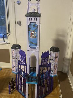 monster high castles for Sale in Santa Clara,  CA