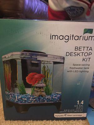 Fish tank 1.5 gallon (small) with decor for Sale in Elk Grove, CA