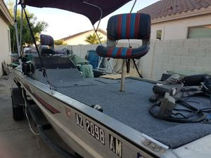Aluminum boat. Bass tracker. 1990 for Sale in Glendale, AZ