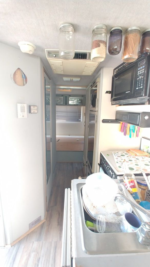 ***MUST GO*** 31' National RV Sea Breeze Motorhome Chevy 454 TH400 Remodeled Interior Lots Of Upgrades