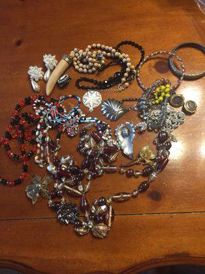 Vintage jewelry $20 for Sale in Frostproof, FL