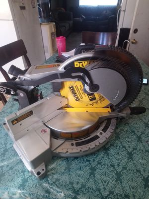 Dewalt 12inch miter saw New condition for Sale in Las Vegas, NV