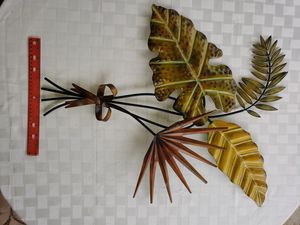 Metal wall decor tropical leaves for Sale in Tacoma, WA