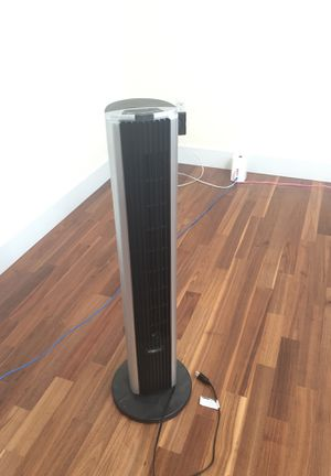 Bionaire Standing Tower Fan w/ Remote Controller for Sale in Seattle, WA