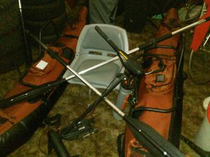 1 man inflatable pontoon boat w/ motor for Sale in Marysville, WA