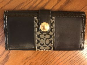 Coach full size wallet for Sale in North Olmsted, OH