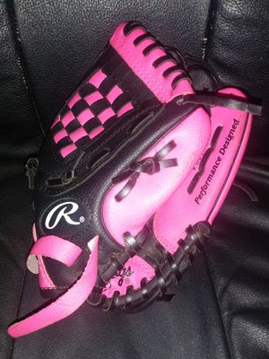 Rawlings. Kids. 9 1/2 inch baseball glove for Sale in Pinellas Park, FL