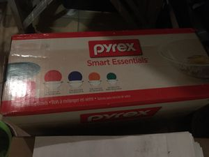Pyrex Smart Essentials 8pc mixing bowls for Sale in Fairfax, VA