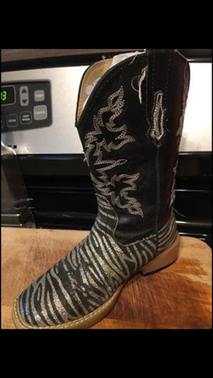Barely use Girl Roper boots size 11 $50 for Sale in Mesquite, TX