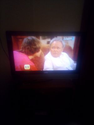 32 inch Vizio flat screen TV with remote not smart for 40 works great for Sale in Machesney Park, IL