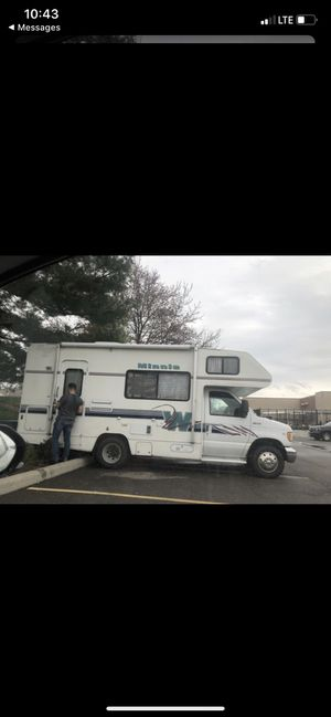 97' Minnie Winnie 22ft RV for Sale in Toledo, OH for Sale in Sylvania, OH