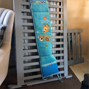 Baby Crib With 2 Drawers And Changing Table come a With Pad for Sale in Downey, CA