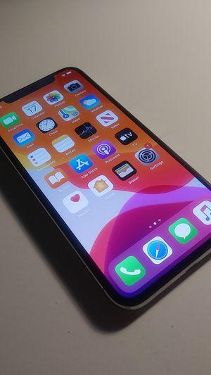iPhone X 64gb Silver UNLOCKED for Sale in Atlanta, GA