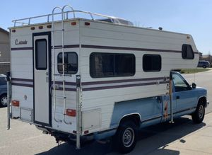 CABOVER CAMPER SUPER CLEAN IN AND OUT Trade 4 newer rv motorhome fifth wheel trailer camping for Sale in New Smyrna Beach, FL