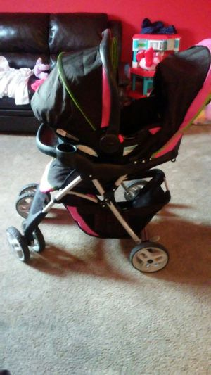 Infant Car Seat and Stroller Set for Sale in Washington, DC
