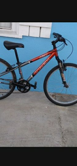 Trek mountain Bike For Sale Frame 15inches tires 26inches Good Condition Ready To Ride for Sale in South Gate,  CA