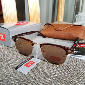 New Rayban Clubmaster Black Sunglasses for Sale in Crofton, MD