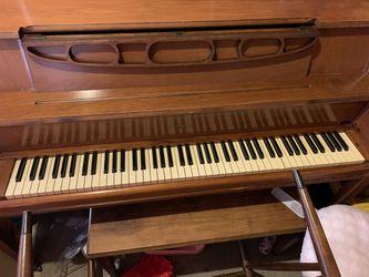 Free Piano for Sale in Everett, WA
