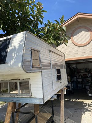 Over Cab Camper Shell (Pick Up Only) $500 obo for Sale in Ceres, CA