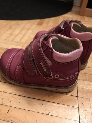 Real leather girl's winter boots Orthopedic arch support $15 for Sale in Boston, MA