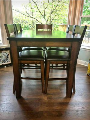 Dining table with 6 chairs for Sale in Mt. Juliet, TN