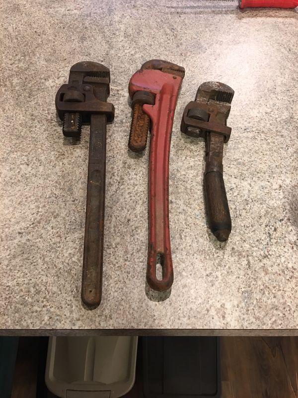 3 pipe (monkey) wrenches