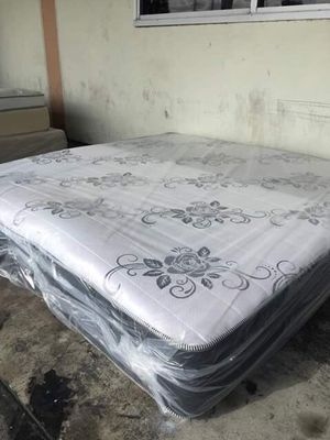 Deluxe brand king size set for Sale in Inglewood, CA
