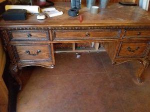 Desk for Sale in Glendale, AZ