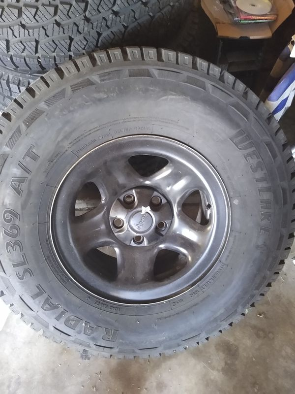 """15"""" Tires and Jeep wheels - 31×10.5R15LT"""