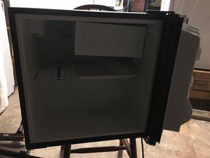 Haier 1.7cu ft refrigerator for Sale in Orlando, FL